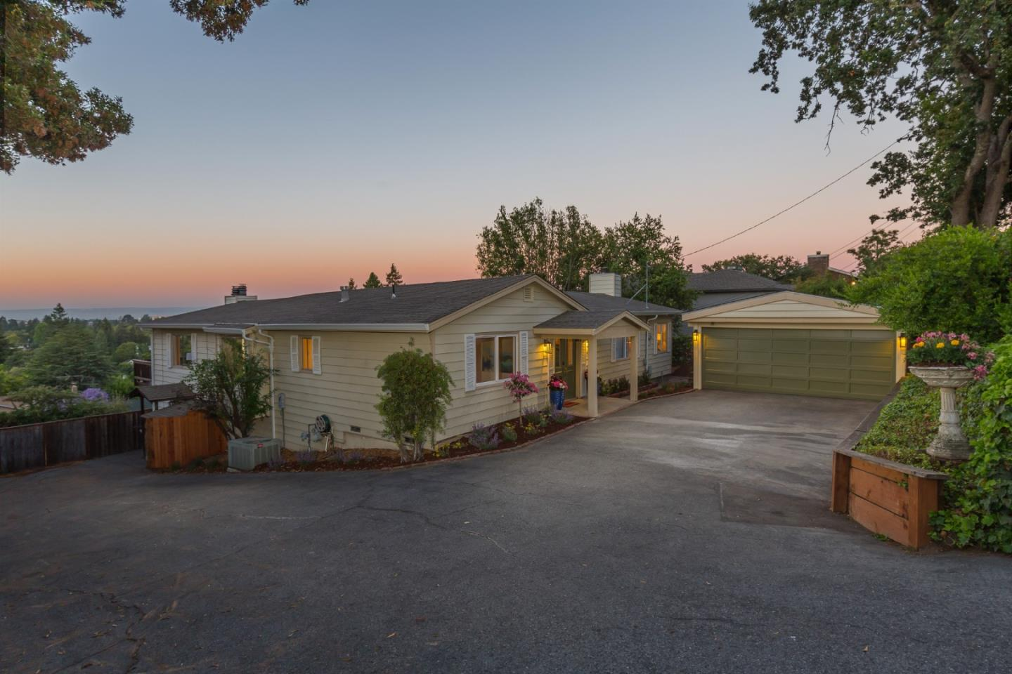 Detail Gallery Image 1 of 1 For 503 Upland Rd, Redwood City,  CA 94062 - 3 Beds   3 Baths
