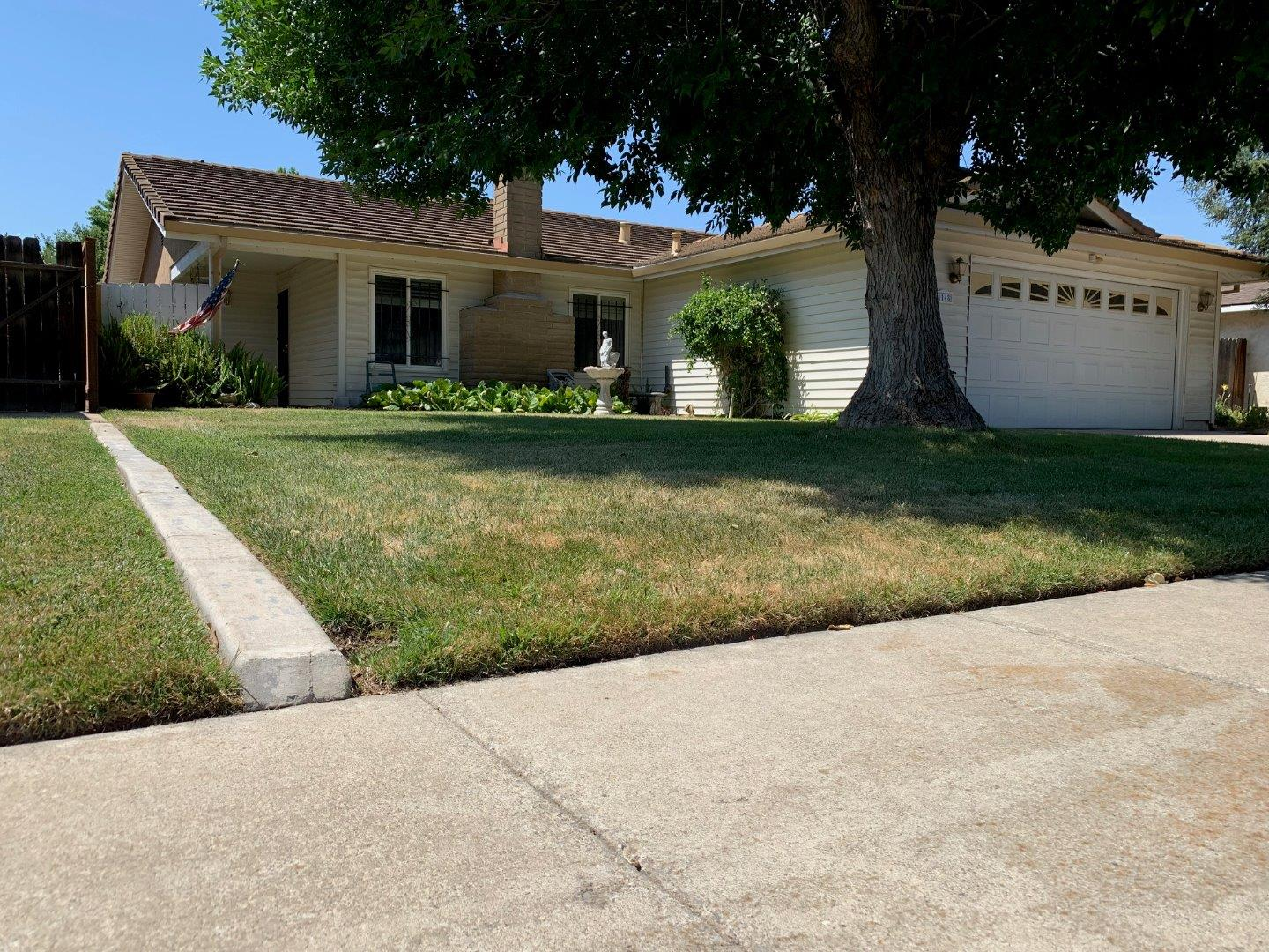 Detail Gallery Image 1 of 27 For 1148 Pepperwood Dr, Manteca, CA, 95336 - 3 Beds   2 Baths