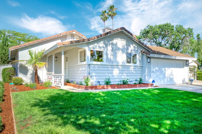 Detail Gallery Image 1 of 1 For 4839 Kingridge Dr, San Jose, CA 95124 - 3 Beds | 2 Baths