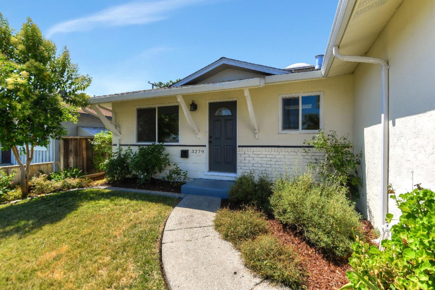 Detail Gallery Image 1 of 1 For 3279 Blue Mountain Dr, San Jose, CA 95127 - 5 Beds | 2 Baths