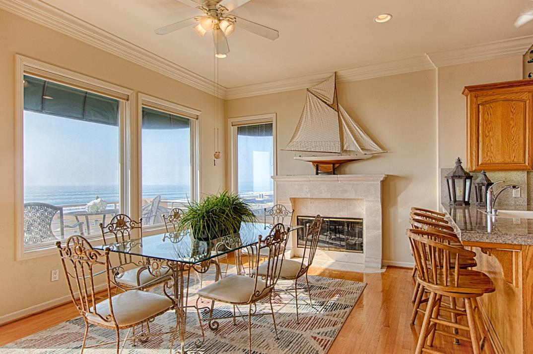 Detail Gallery Image 1 of 24 For 641 Beach Dr, Aptos, CA, 95003 - 3 Beds | 2/1 Baths