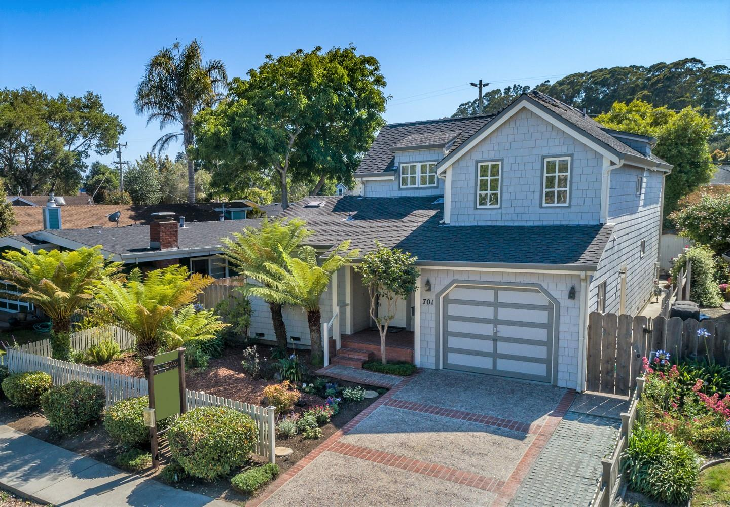 Detail Gallery Image 1 of 1 For 701 Bay Ave, Capitola, CA 95010 - 3 Beds | 2 Baths