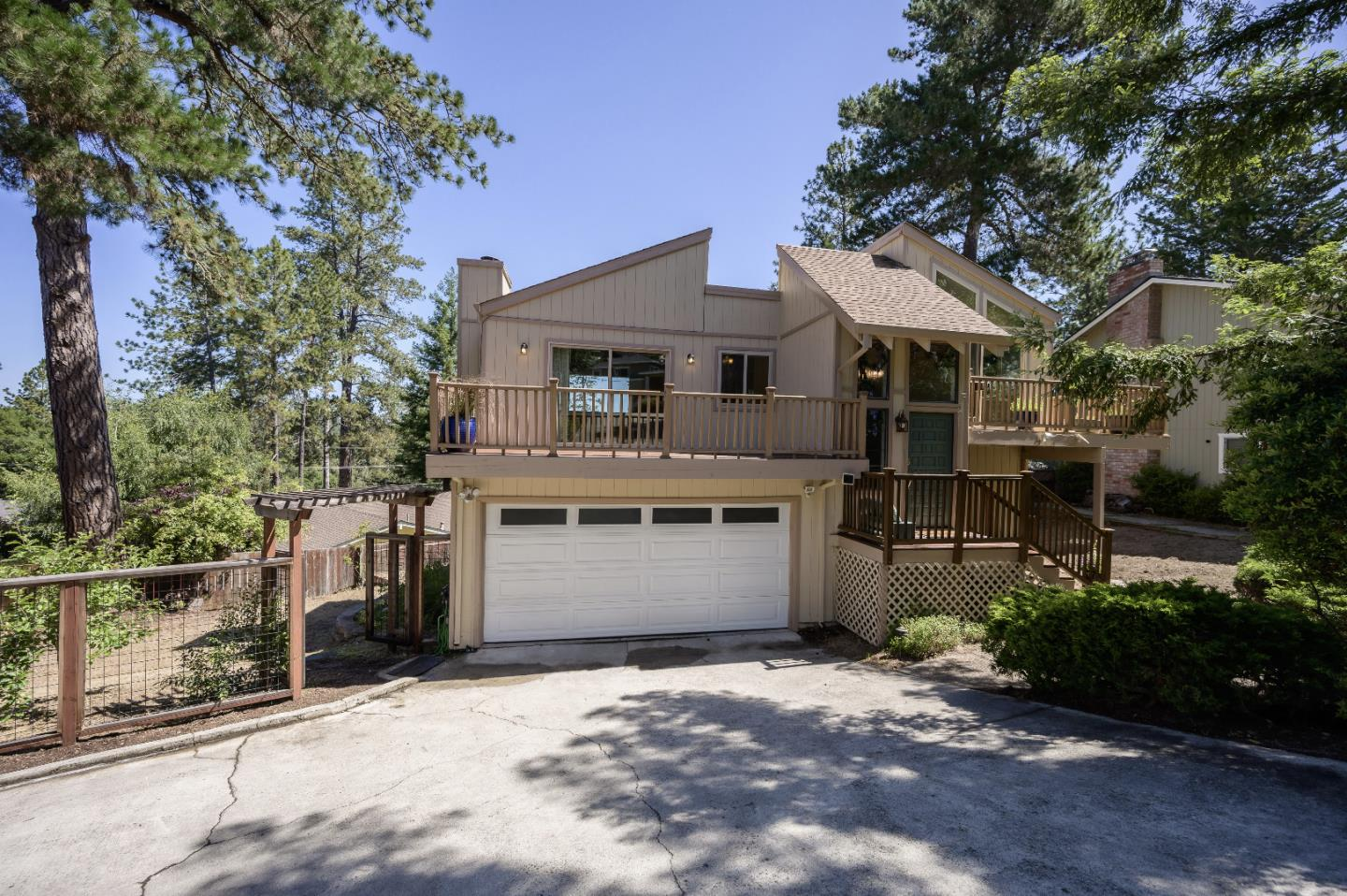 Detail Gallery Image 1 of 56 For 116 Alto Sol Ct, Scotts Valley, CA, 95066 - 3 Beds | 2 Baths