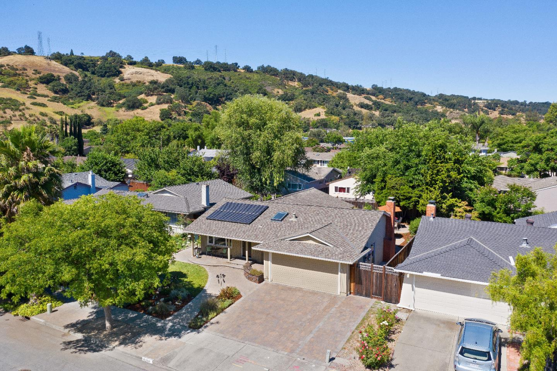 6235 TILLAMOOK Drive, San Jose, CA 95123 $1,038,000 www