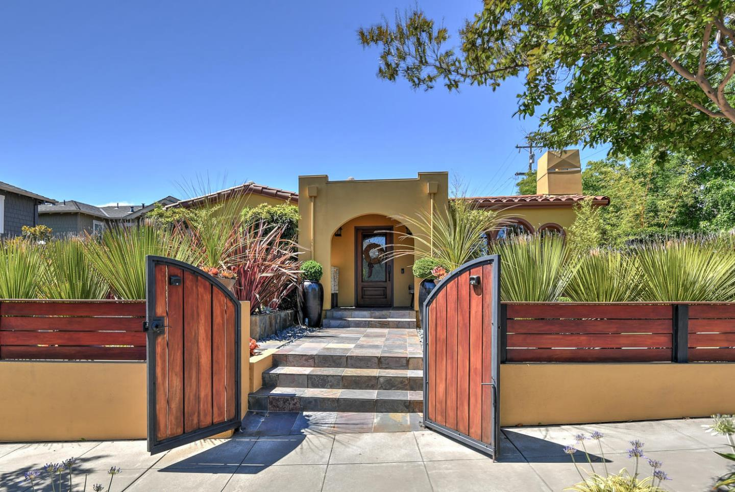 Detail Gallery Image 1 of 1 For 100 Towne Ter, Los Gatos, CA 95032 - 3 Beds   2 Baths