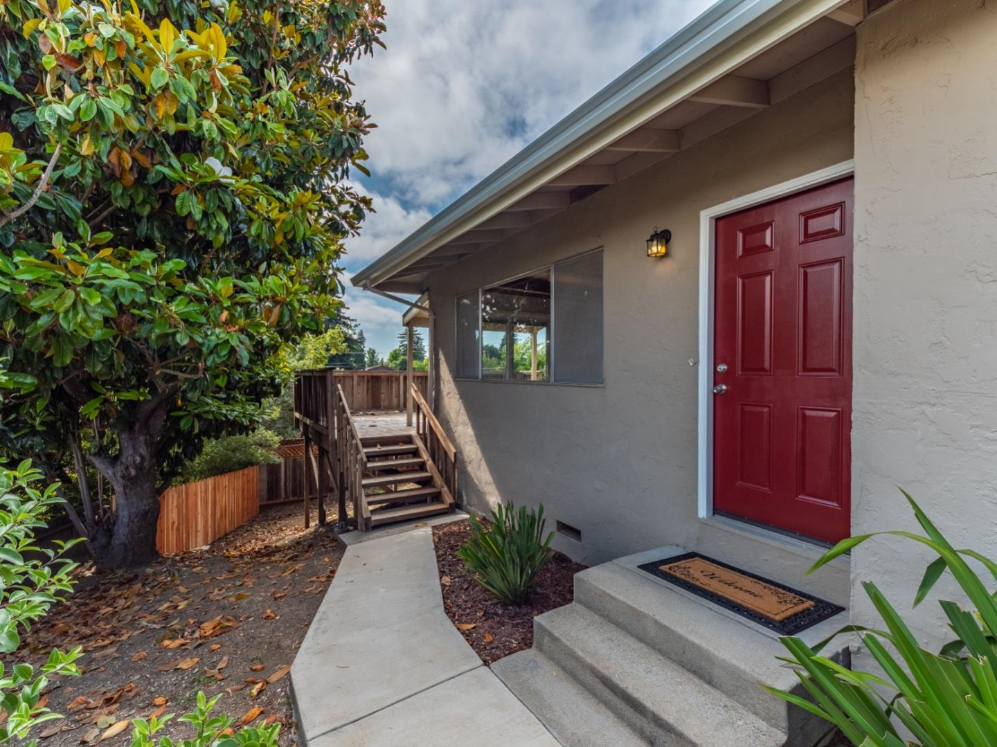 Detail Gallery Image 1 of 1 For 21 Parkwood Dr, Watsonville, CA 95076 - 3 Beds | 2 Baths