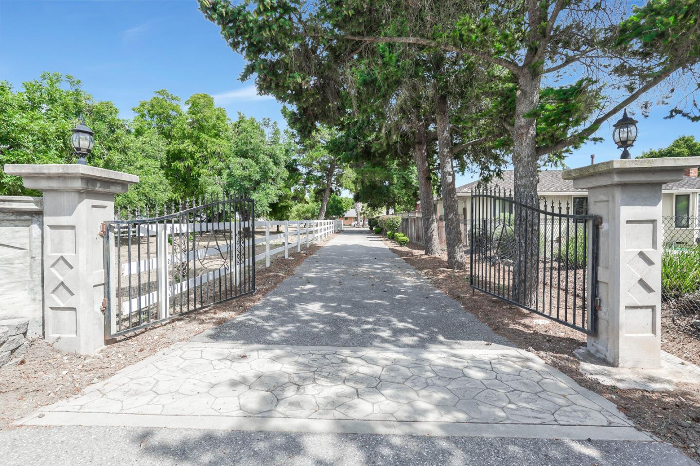 1670 E Main AVE Morgan Hill, CA 95037