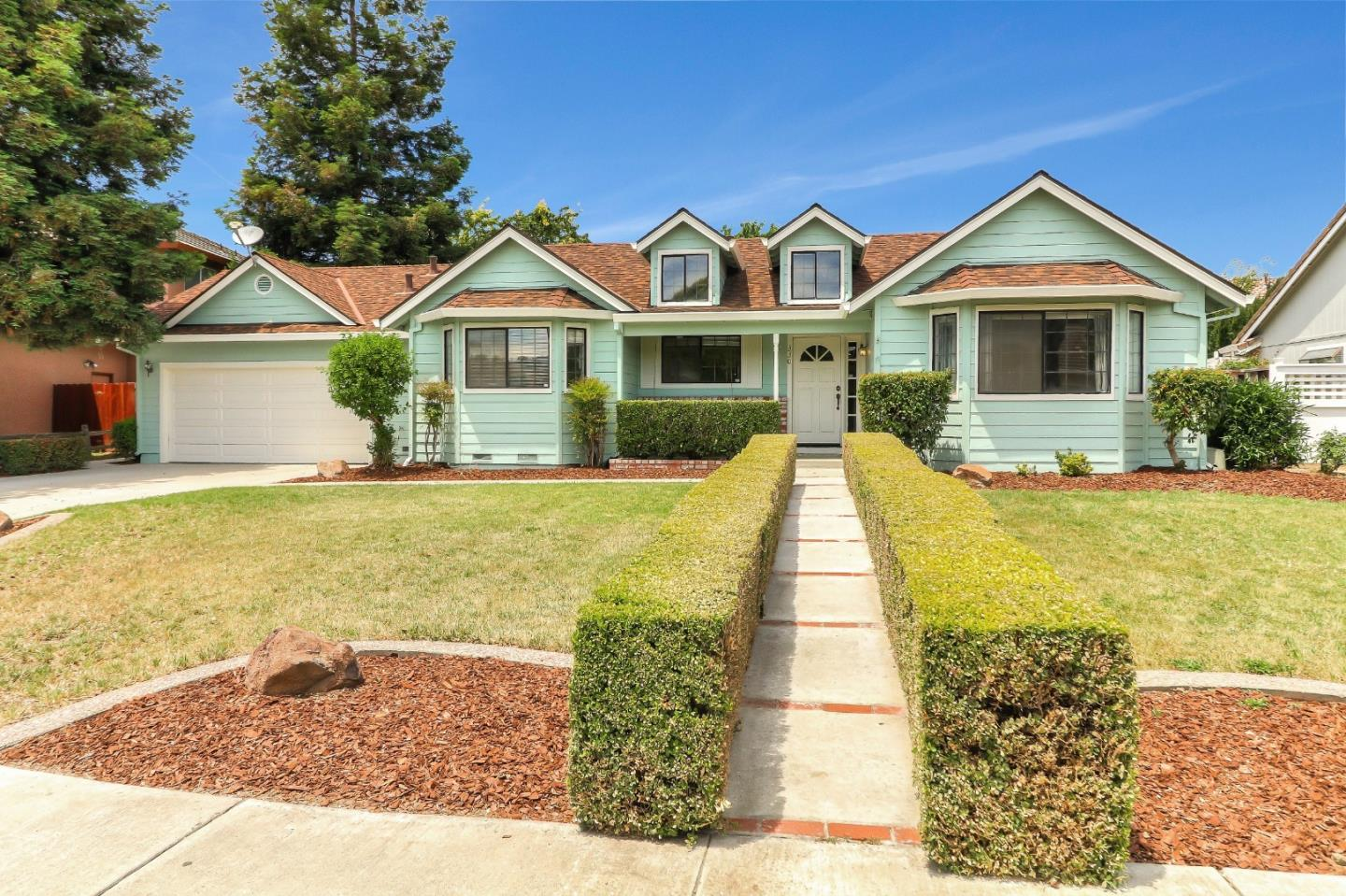Detail Gallery Image 1 of 1 For 330 Tina Dr, Hollister,  CA 95023 - 4 Beds | 2/1 Baths