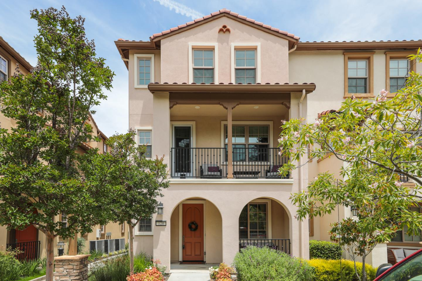 Detail Gallery Image 1 of 1 For 120 Minaret Ave, Mountain View,  CA 94043 - 4 Beds | 3/1 Baths