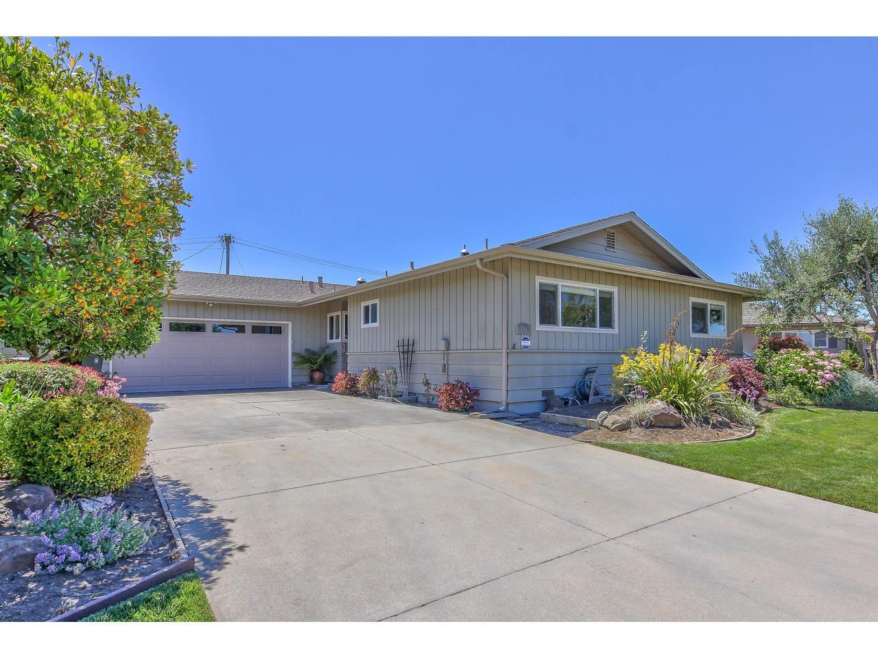 Detail Gallery Image 1 of 1 For 1049 San Simeon Dr, Salinas,  CA 93901 - 4 Beds | 2 Baths
