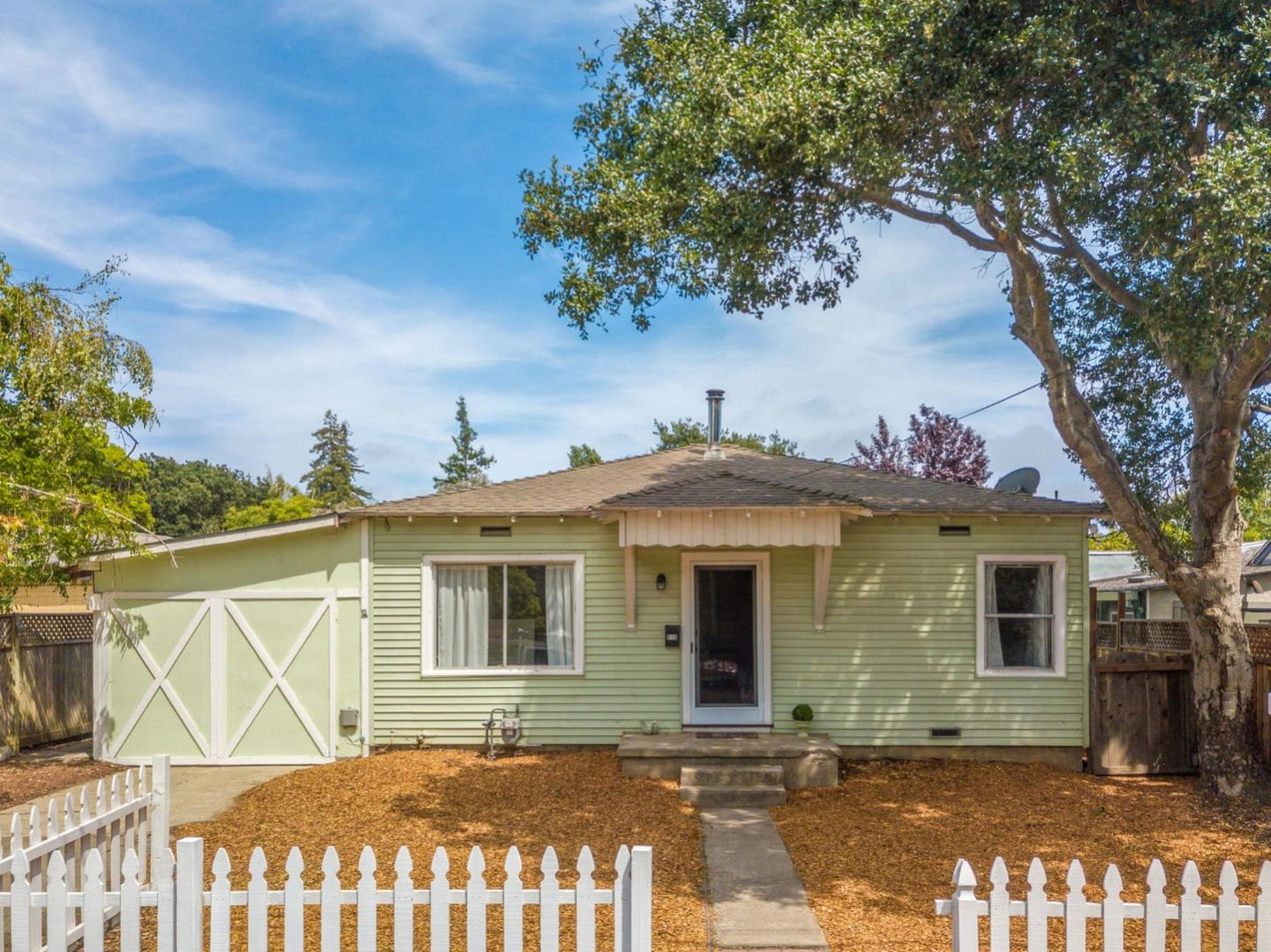 Detail Gallery Image 1 of 1 For 418 Trevethan Ave, Santa Cruz, CA 95062 - 2 Beds | 2 Baths