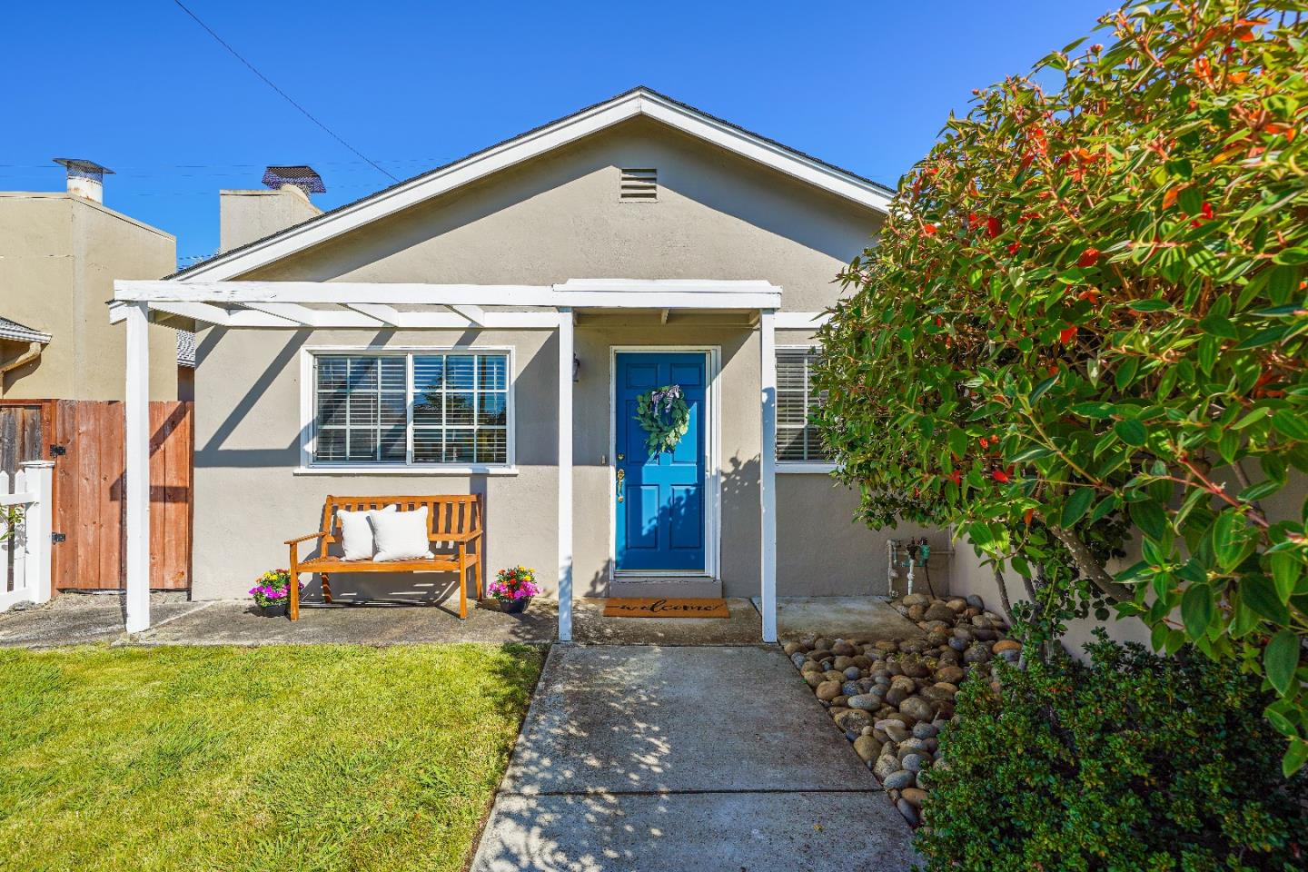 Detail Gallery Image 1 of 1 For 519 Cambridge St, Belmont,  CA 94002 - 3 Beds | 2 Baths