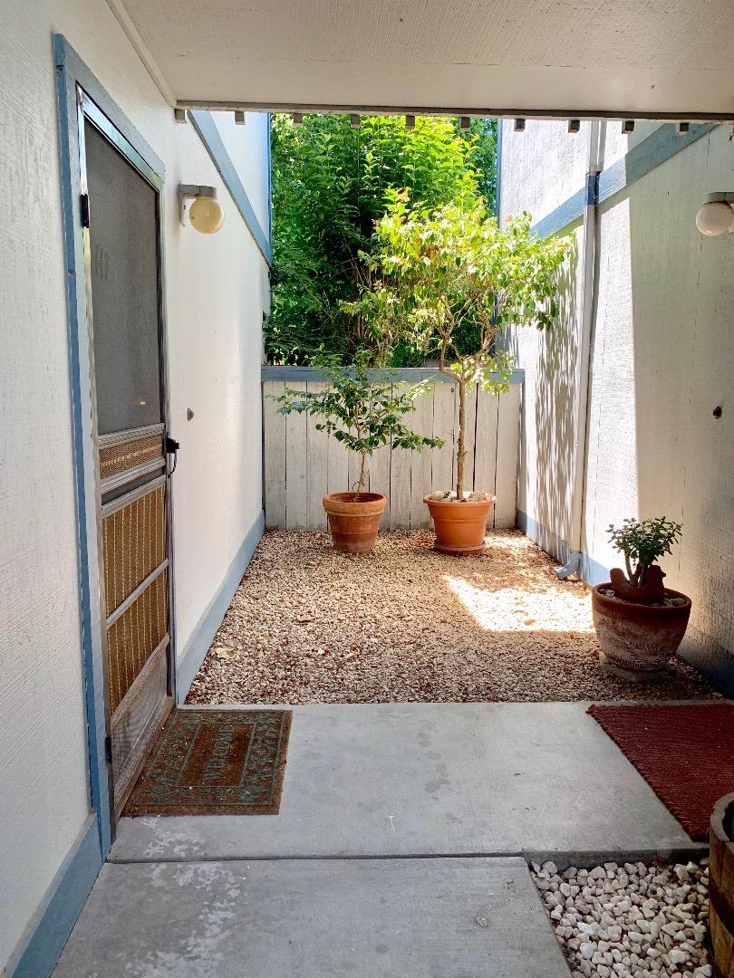 Detail Gallery Image 1 of 1 For 1925 46th Ave #117, Capitola, CA 95010 - 2 Beds | 1 Baths