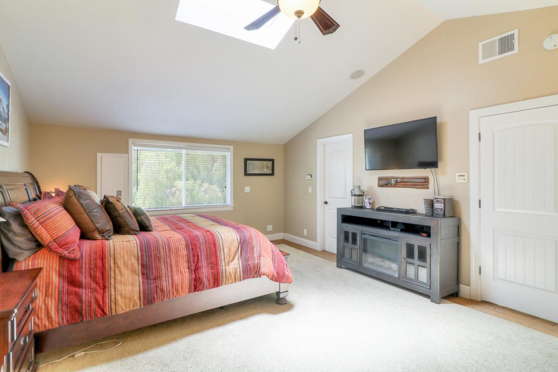 8445 Watsonville RD Gilroy, CA 95020