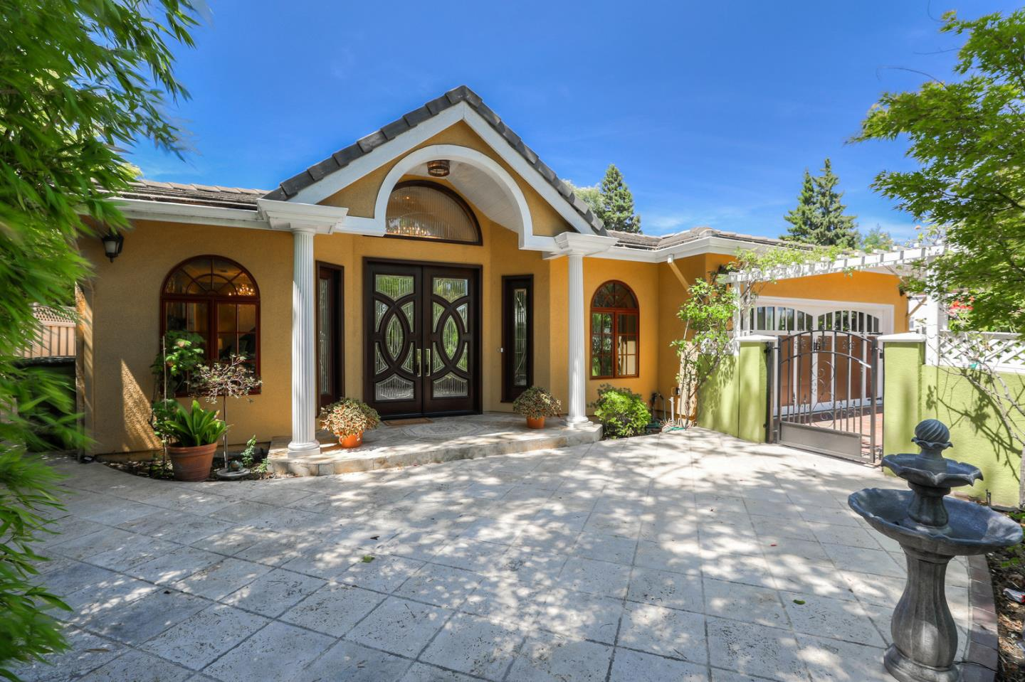 Detail Gallery Image 1 of 1 For 3364 Middlefield Rd, Palo Alto, CA 94306 - 4 Beds | 3/1 Baths