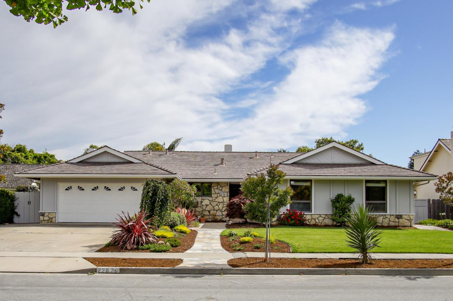 Detail Gallery Image 1 of 1 For 22678 Coleta Dr, Salinas, CA 93908 - 4 Beds | 2 Baths