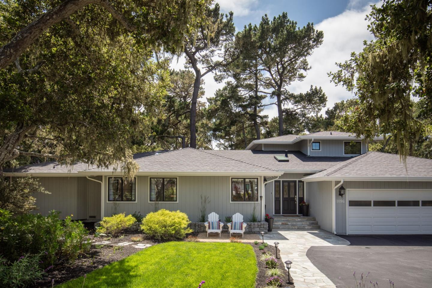 Detail Gallery Image 1 of 29 For 1096 Sawmill Gulch Rd, Pebble Beach, CA 93953 - 5 Beds | 2/1 Baths