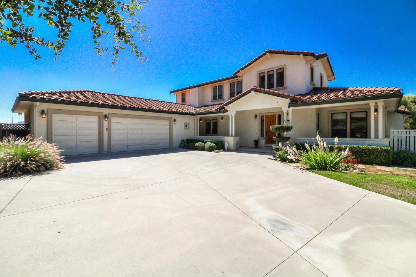 Detail Gallery Image 1 of 65 For 1651 Quail Run, Hollister, CA 95023 - 5 Beds | 2/2 Baths