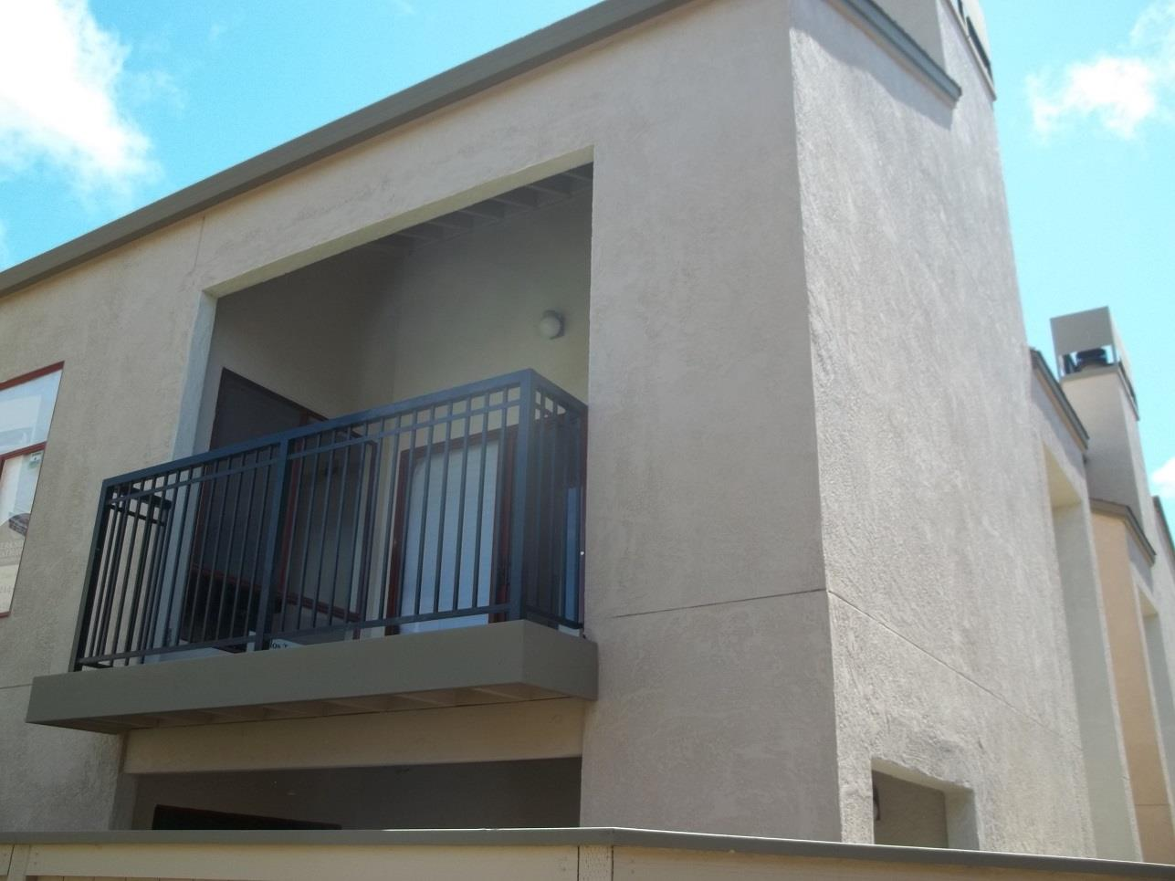 Detail Gallery Image 1 of 1 For 2406 N Main St E, Salinas, CA 93906 - 2 Beds | 1/1 Baths