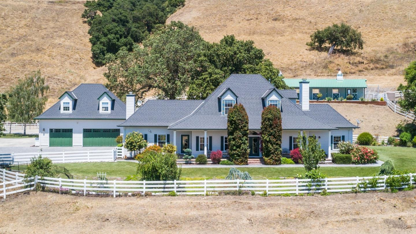2563 BRIDLE PATH DR, GILROY, CA 95020
