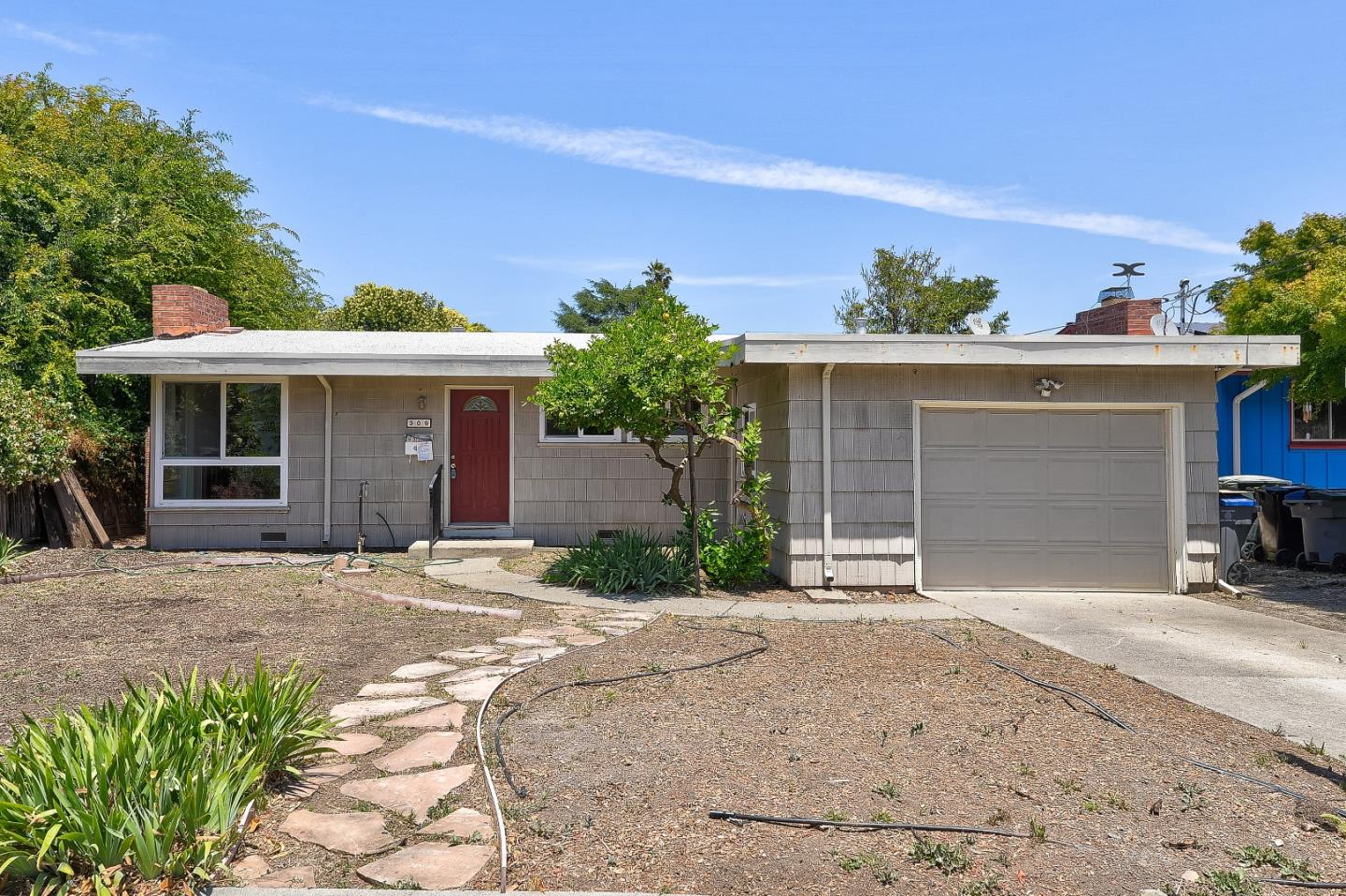 Detail Gallery Image 1 of 14 For 309 W Arbor Ave, Sunnyvale, CA 94085 - 3 Beds | 1/1 Baths