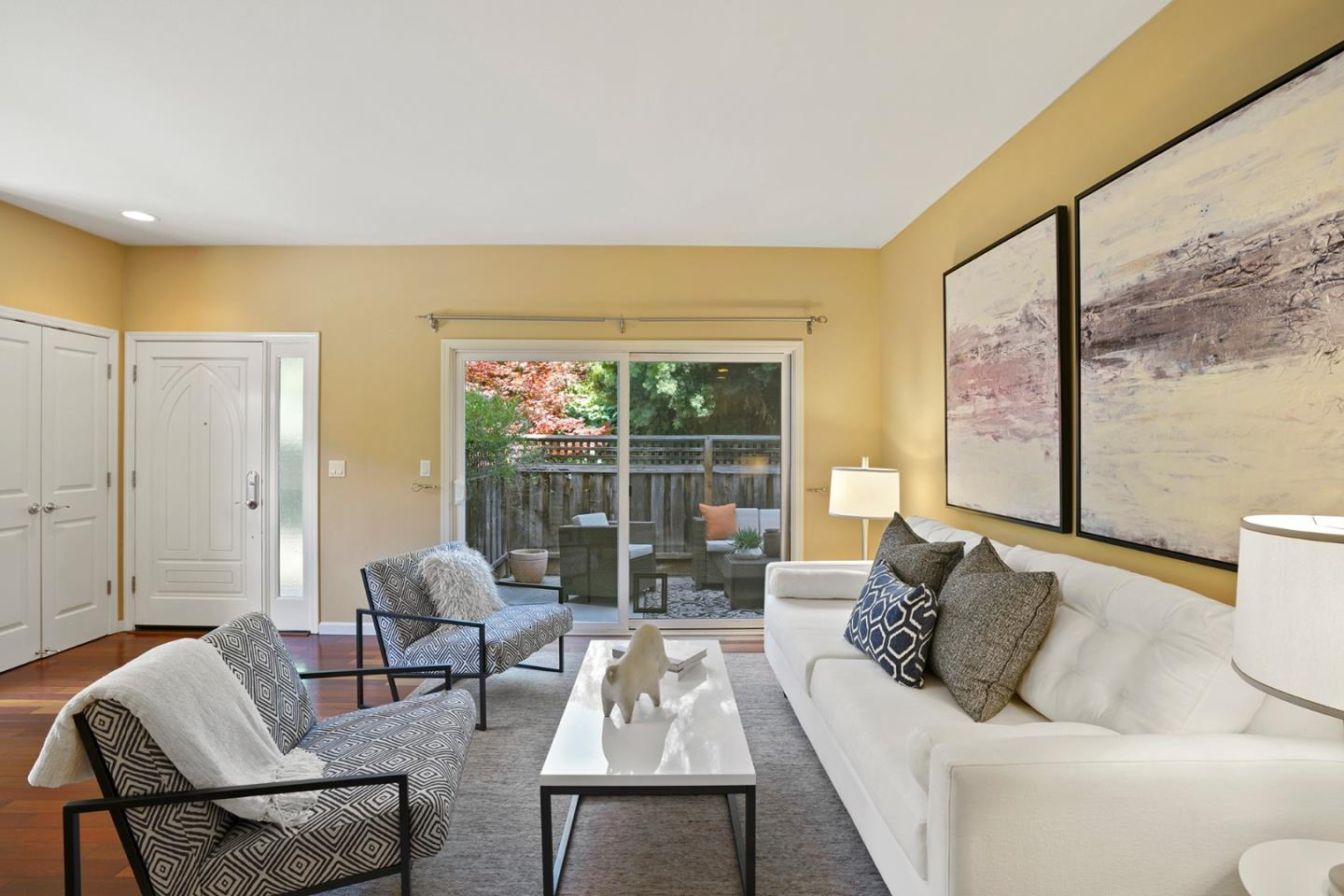 Detail Gallery Image 1 of 21 For 741 Cottage Ct, Mountain View, CA 94043 - 2 Beds | 2 Baths