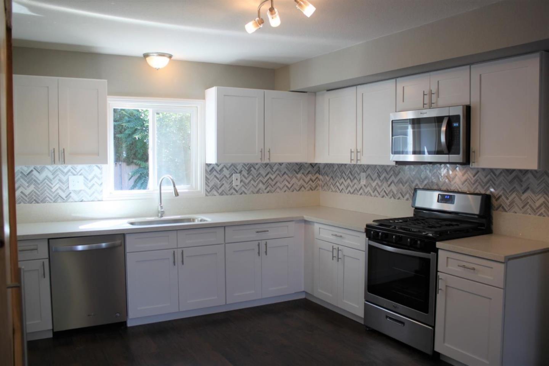 331 N 5th Avenue Oakdale, CA 95361