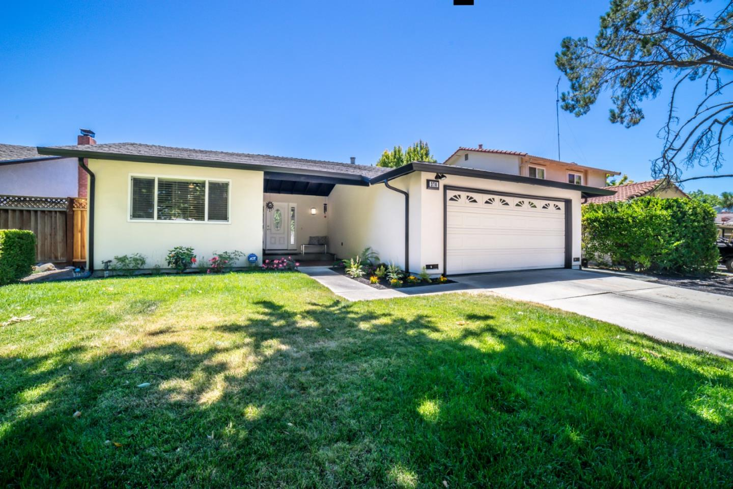 Detail Gallery Image 1 of 1 For 370 Bluefield Dr, San Jose,  CA 95136 - 3 Beds   2 Baths
