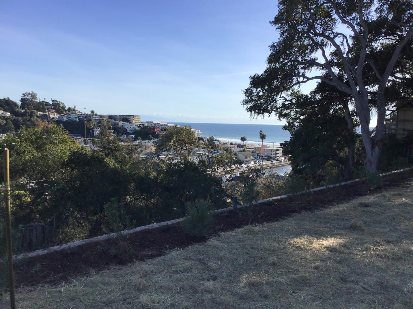Detail Gallery Image 1 of 23 For 01 Sea Terrace Way, Aptos,  CA 95003 - – Beds   – Baths