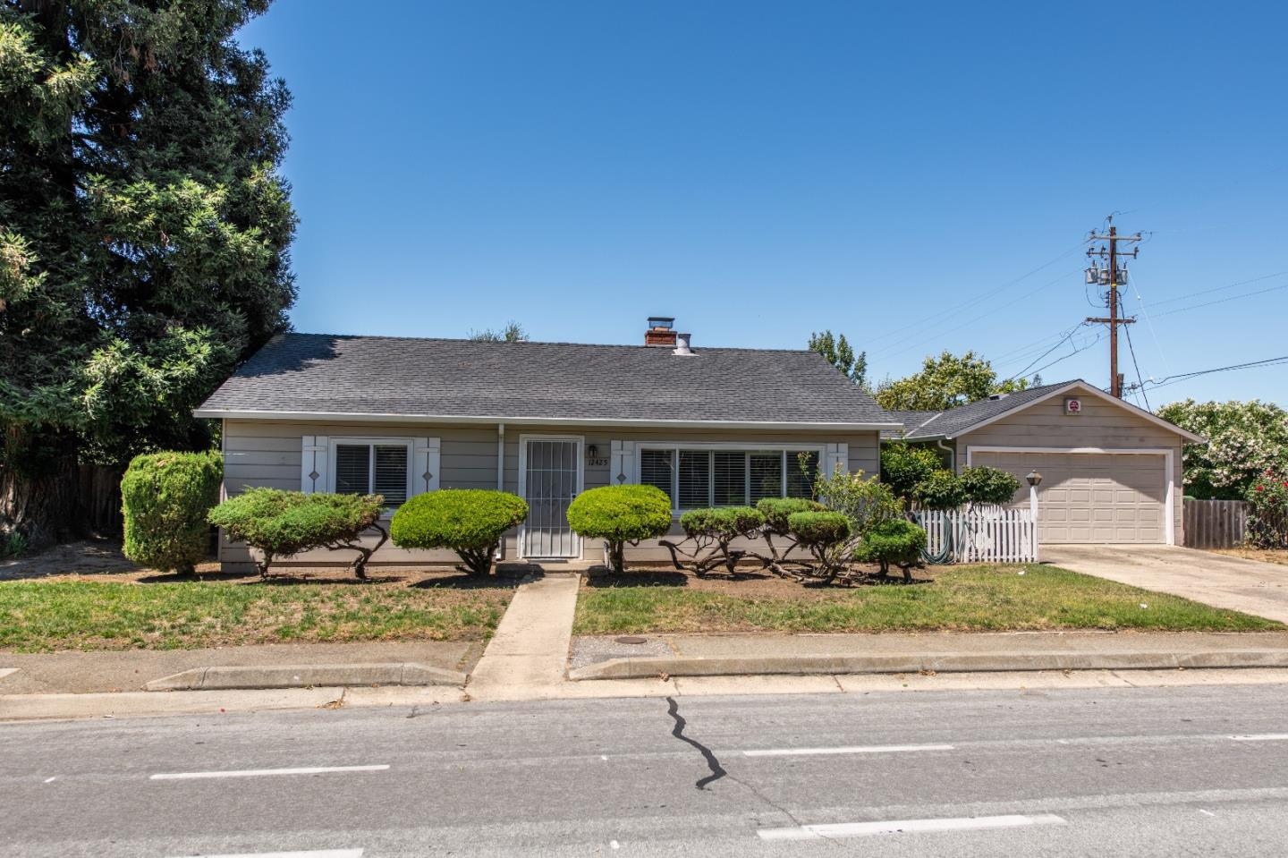 This 1,260 sq ft home offers 3 bedrooms and 1.5 bathrooms. Perfect opportunity to buy a Saratoga property that you can remodel or tear down and build your dream home. Close to Saratoga shopping, downtown Campbell and commuter highways.