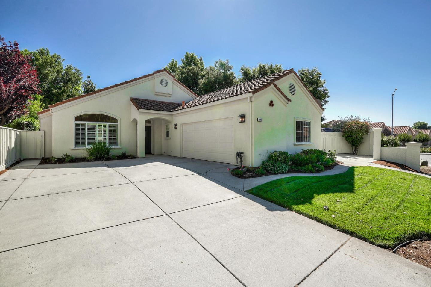 Detail Gallery Image 1 of 1 For 14700 Excaliber Dr, Morgan Hill,  CA 95037 - 3 Beds   2 Baths