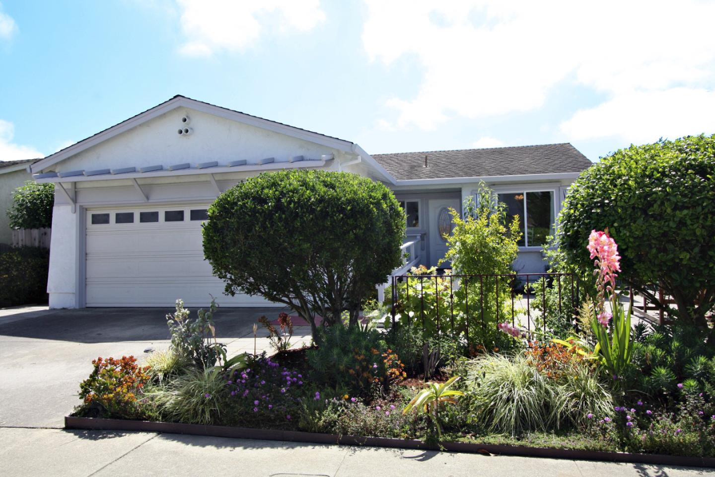 Detail Gallery Image 1 of 1 For 720 Delta Way, Watsonville, CA 95076 - 2 Beds | 2 Baths