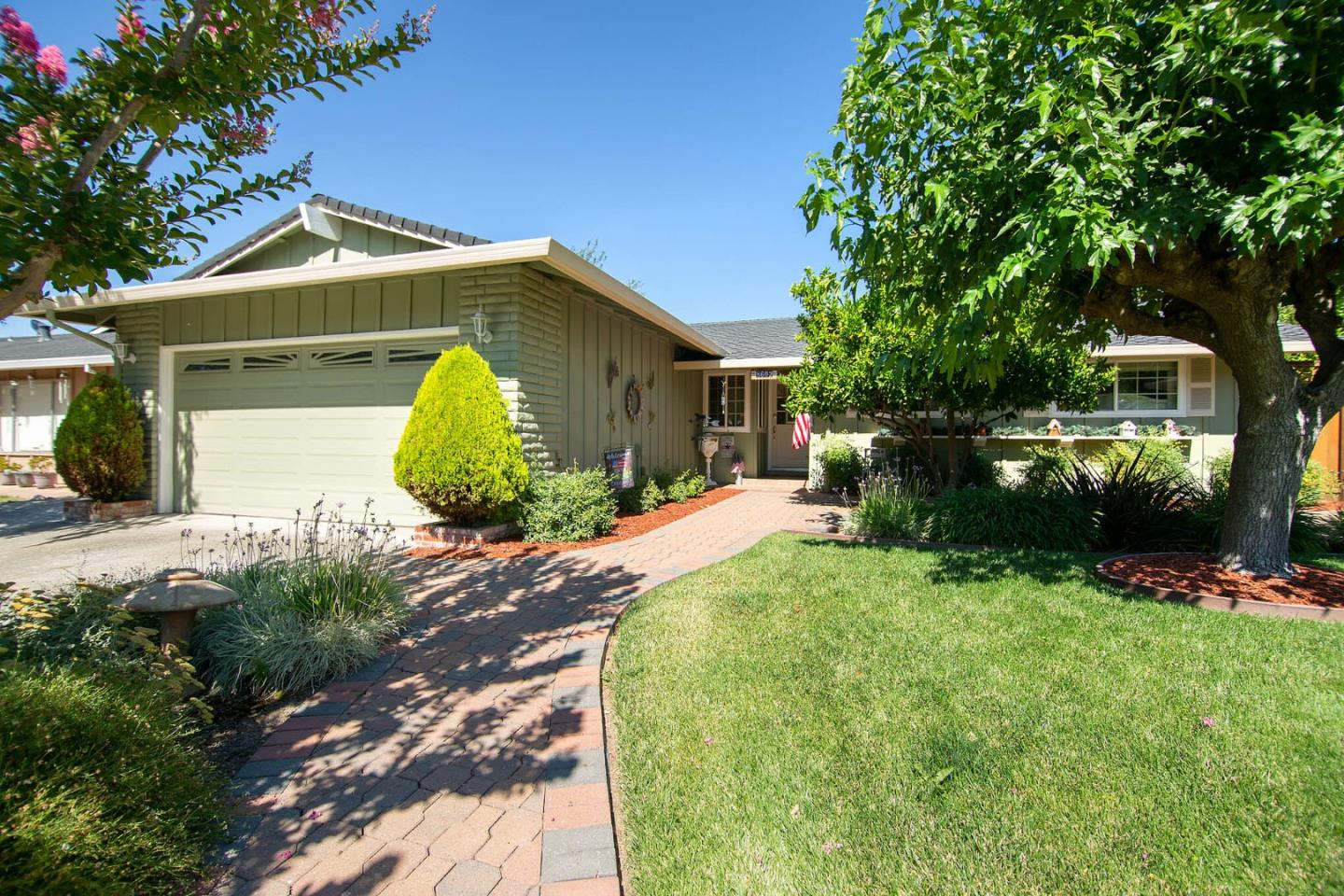 Detail Gallery Image 1 of 1 For 8602 Ousley Dr, Gilroy,  CA 95020 - 3 Beds | 2 Baths