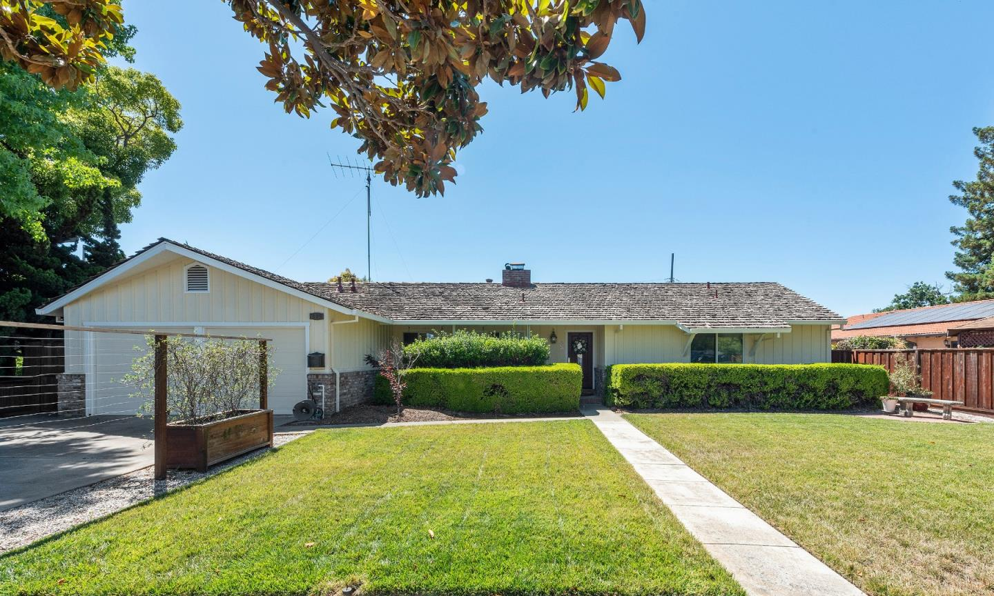 Detail Gallery Image 1 of 1 For 503 Central Ave, Sunnyvale,  CA 94086 - 3 Beds | 2/1 Baths