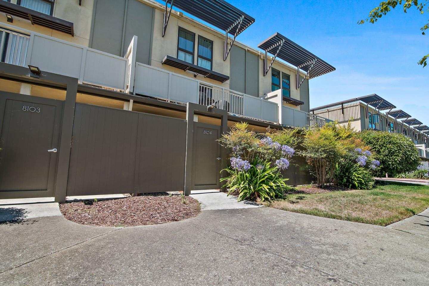 Detail Gallery Image 1 of 1 For 8104 Admiralty Ln, Foster City, CA 94404 - 1 Beds | 1 Baths