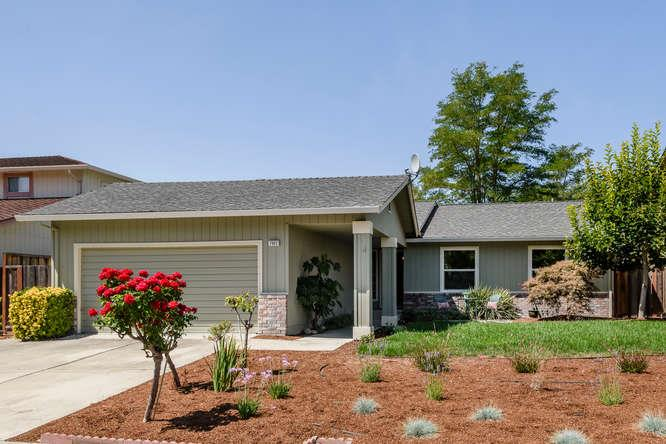 Detail Gallery Image 1 of 1 For 7922 Agate Way, Dublin,  CA 94568 - 3 Beds | 2 Baths