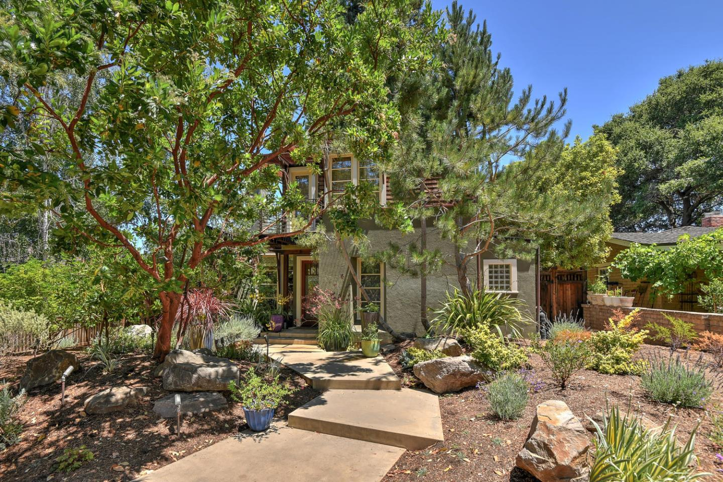 Detail Gallery Image 1 of 1 For 705 University Ave, Los Altos, CA 94022 - 3 Beds | 3/1 Baths