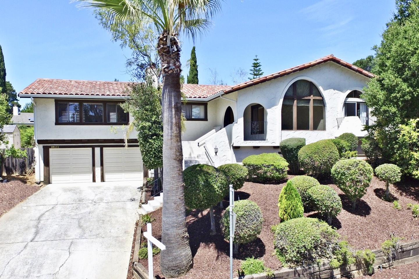 Detail Gallery Image 1 of 1 For 10131 Hillcrest Rd, Cupertino, CA 95014 - 3 Beds | 2/1 Baths