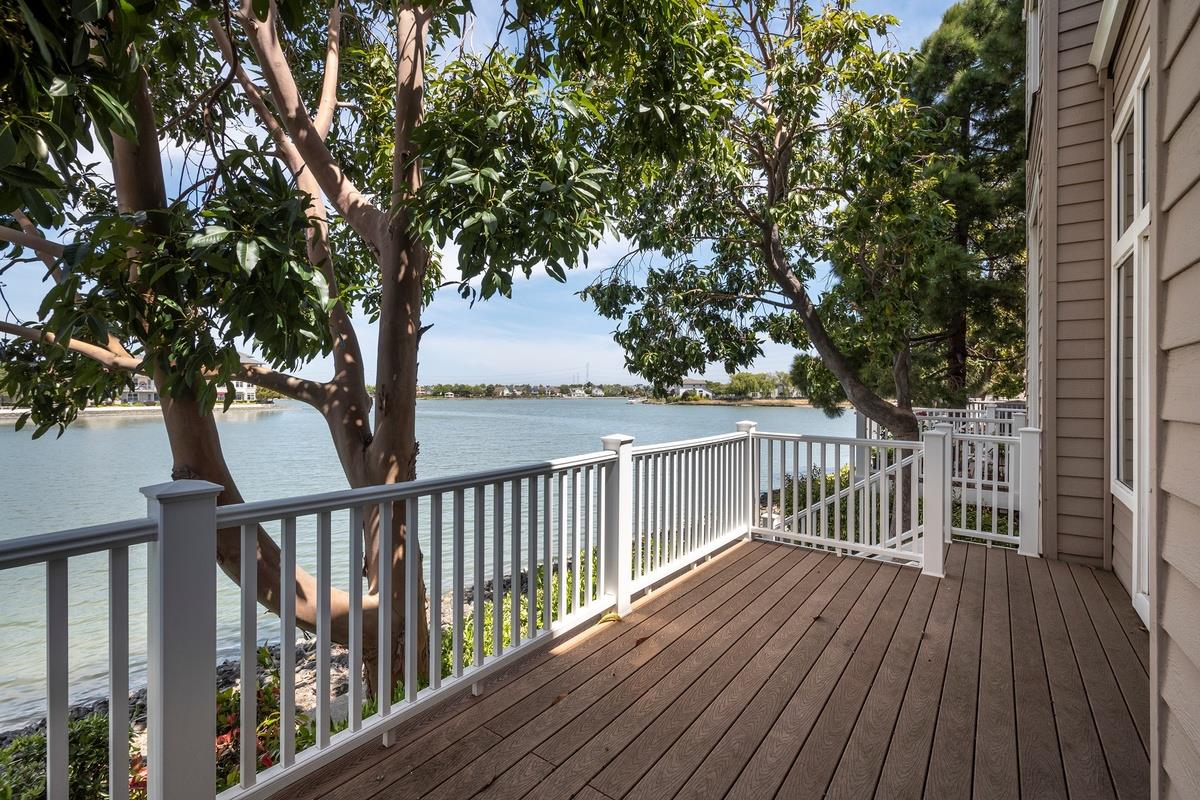 Detail Gallery Image 1 of 1 For 812 Constellation Ct, Redwood Shores, CA 94065 - 2 Beds | 2/1 Baths