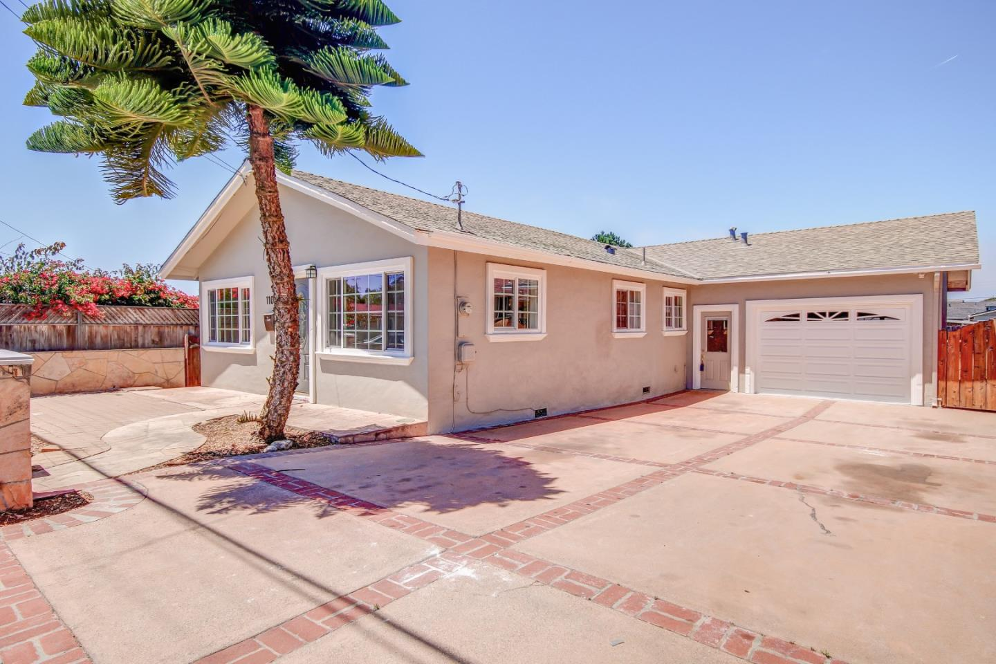 Detail Gallery Image 1 of 1 For 1109 Hilby Ave, Seaside, CA 93955 - 3 Beds | 2 Baths
