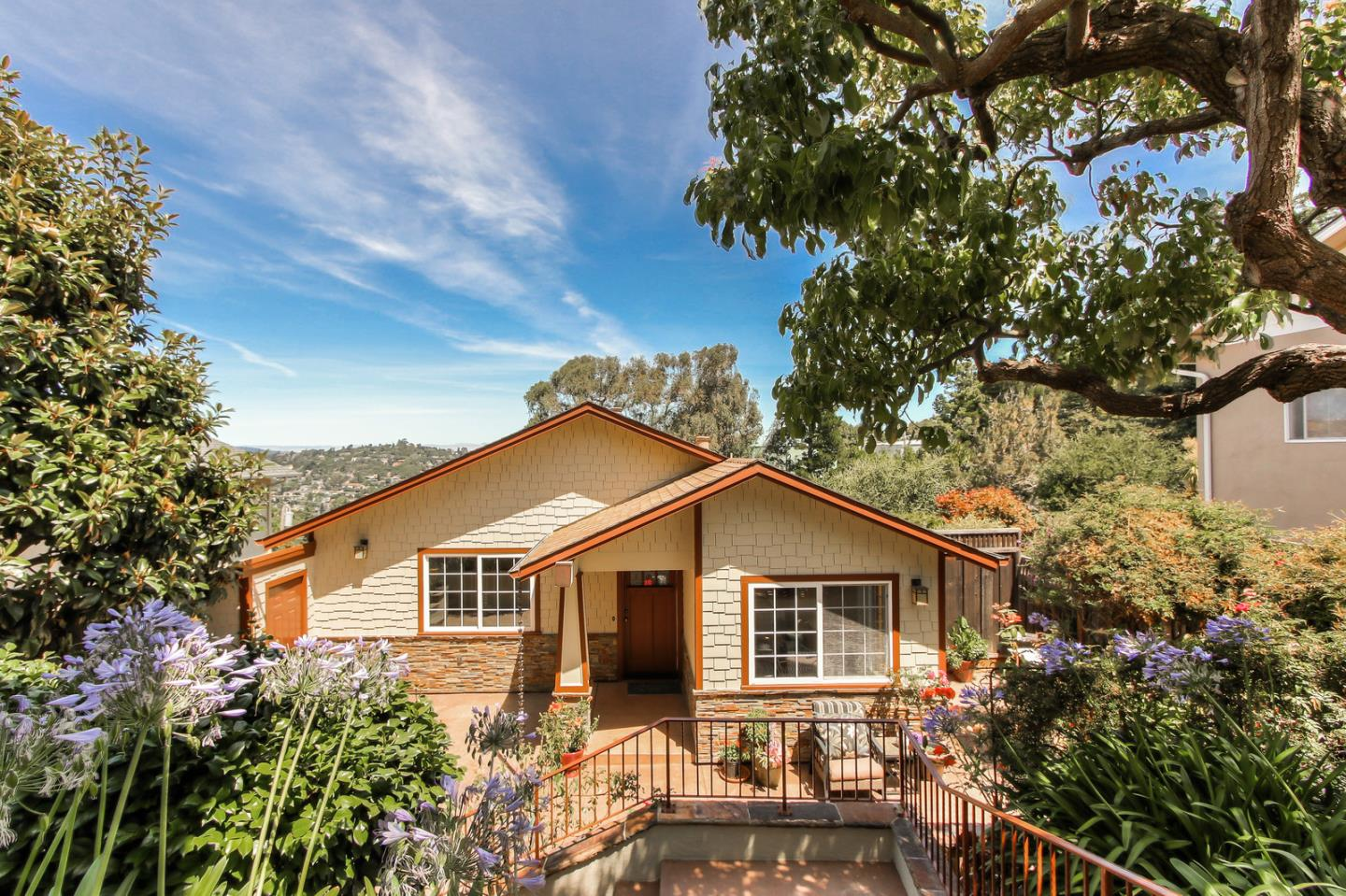 Detail Gallery Image 1 of 1 For 6 Arch Ln, San Carlos, CA 94070 - 4 Beds   3 Baths