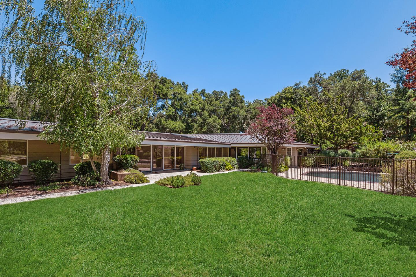 229 GROVE DR, PORTOLA VALLEY, CA 94028