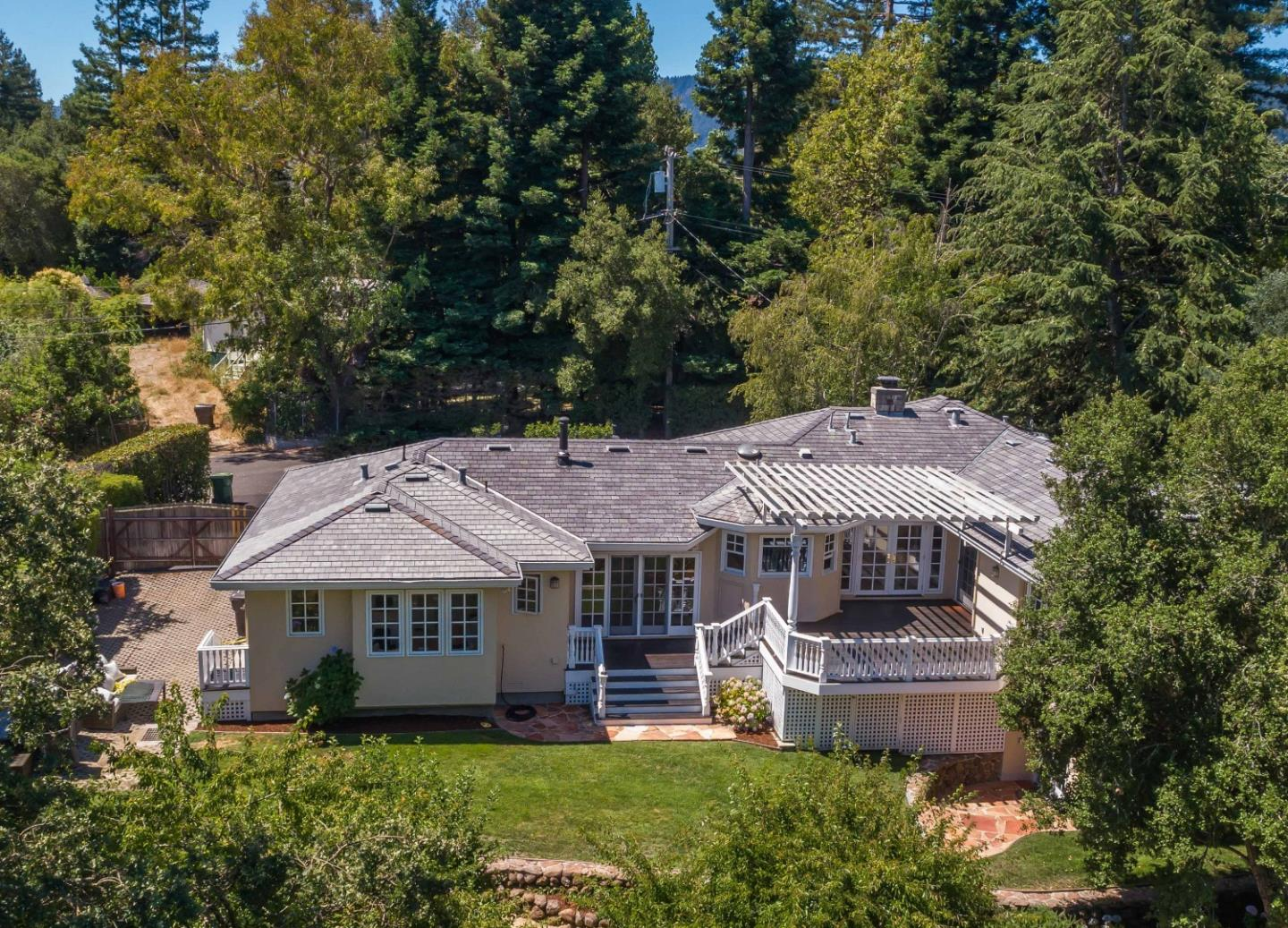 103 Toyon CT Woodside, CA 94062