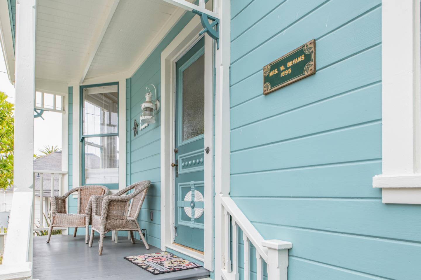 Detail Gallery Image 1 of 1 For 205 Lobos Ave, Pacific Grove,  CA 93950 - 2 Beds | 1/1 Baths