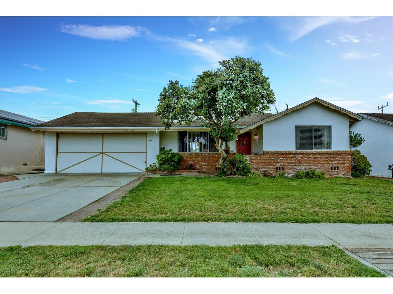 Detail Gallery Image 1 of 1 For 131 Columbine Dr, Salinas,  CA 93906 - 3 Beds | 2 Baths