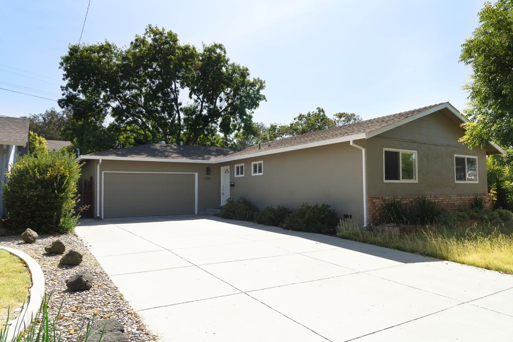 This is beautifully remodeled single family home nestled in a nice neighborhood of Almaden Valley, and closed to 2 private golf courses.  Granite Kitchen Counter Top, Upgraded Bathrooms, Laminated Flooring, Recessed lights, and minutes from shopping center, Community center, Park and freeways.