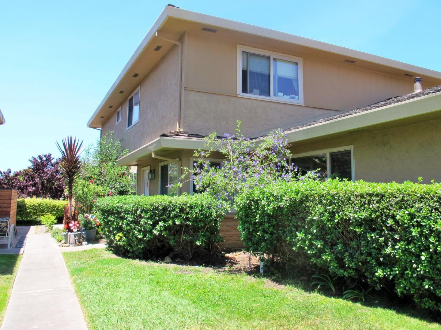 Detail Gallery Image 1 of 1 For 1375 45th Ave #3, Capitola, CA 95010 - 2 Beds | 1 Baths