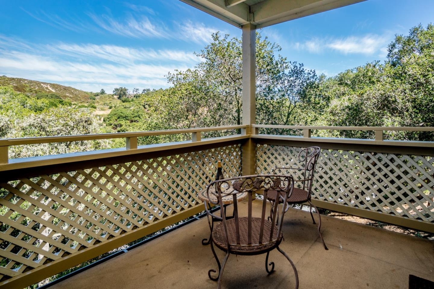 Detail Gallery Image 1 of 1 For 530 Quail Run Ct, Del Rey Oaks, CA 93940 - 2 Beds | 2 Baths