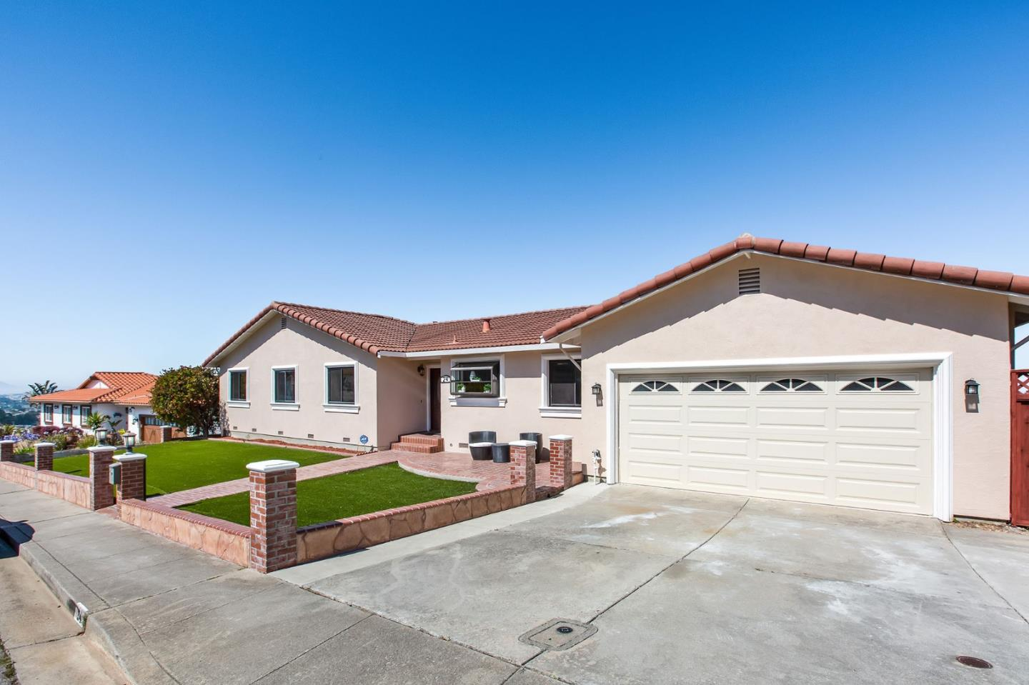 Detail Gallery Image 1 of 1 For 24 Vista Ct, South San Francisco, CA 94080 - 4 Beds | 2 Baths