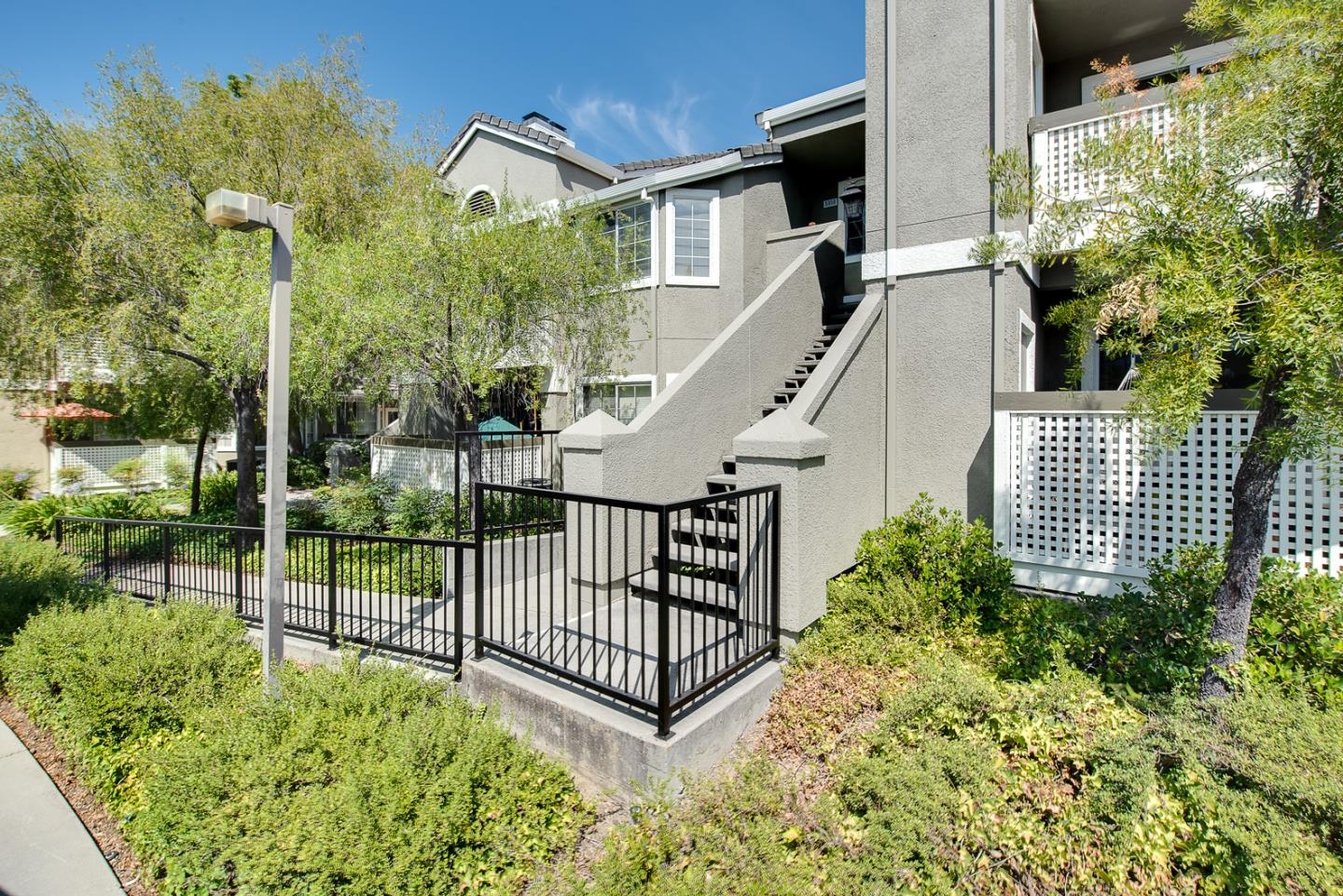 Detail Gallery Image 1 of 1 For 5952 Lake Almanor Dr, San Jose,  CA 95123 - 1 Beds   1 Baths